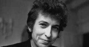 Las canciones de los sesenta de Bob Dylan se convirtieron en himnos para el movimiento por los derechos civiles en EE.UU. y contra la guerra de Vietnam.