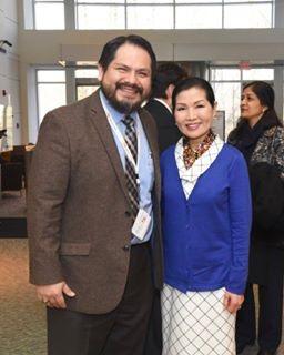 Juan Torrico de la Administracion de Transito de Maryland y Yumi Hogan.