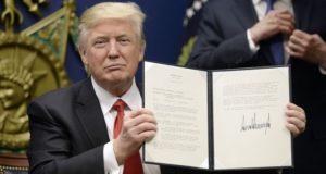 Trump firma
